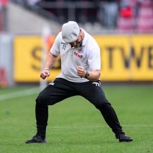 Kölns Trainer Steffen Baumgart jubelt.