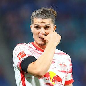 Marcel Sabitzer von RB Leipzig schaut nachdenklich beim Spiel gegen Stuttgart.