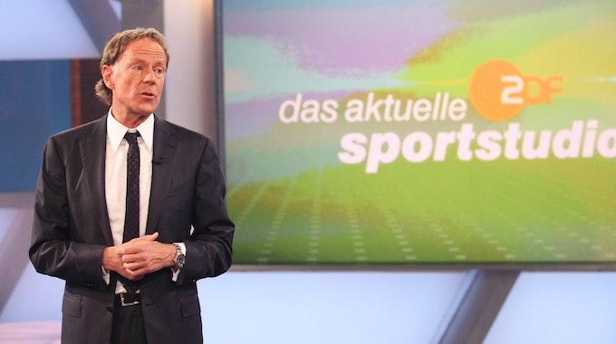 Wolf-Dieter Poschmann moderiert das ZDF-Sportstudio.