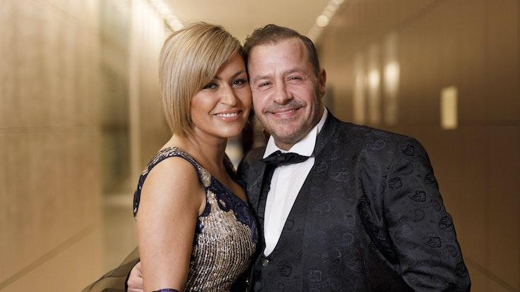Willi Herren mit Ehefrau Jasmin Jennewein bei der 13. Dorint Charity Sports Night 2019 im Dorint Hotel an der Messe in Deutz. Köln, 08.12.2019