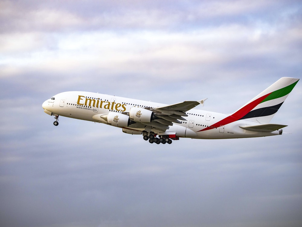 Ein Airbus A380 beim Start.
