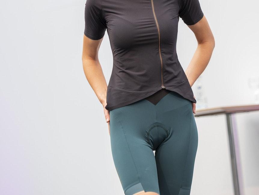 """Die spezielle Hose des Herstellers Sher. Sie hat hinten einen Reißverschluss für """"schnelle Bio-Pausen"""", wie es der Hersteller vornehm ausdrückt."""