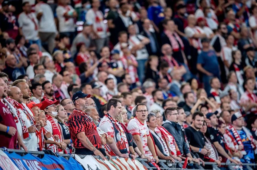 Volles Haus gegen die Bayern: 34.000 Fans dürfen ins Leipziger Stadion