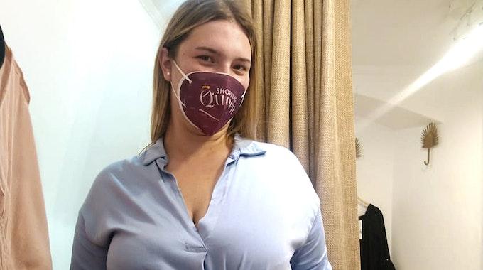 """Danni Büchners Tochter Joelina Karabas bei """"Shopping Queen"""" auf Mallorca."""