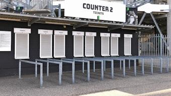 Ein geschlossener Ticket-Counter am Borussia-Park in Mönchengladbach.