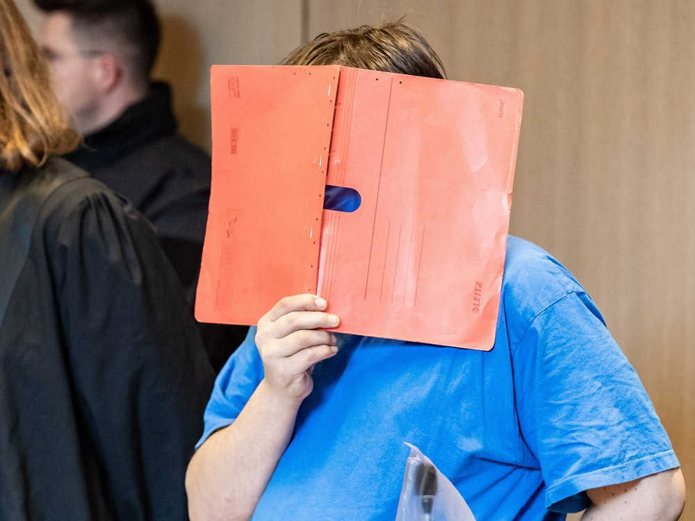 Der Angeklagte am 5. Juli 2020 in Bochum vor Gericht.