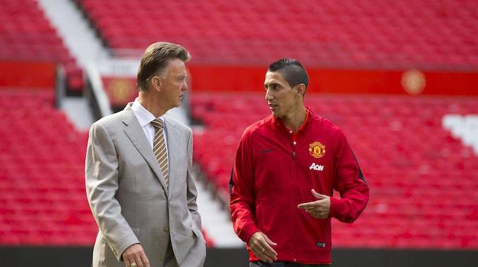 Angel Di Maria im Plausch mit dem damaligen Coach von Manchester United, Louis van Gaal.