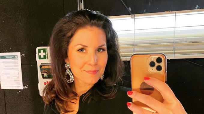 Sat.1-Frühstücksfernsehen-Moderatorin Vanessa Blumhagen, hier auf einem Selfie vom 7. Juni 2021, zeigt auf Instagram ihre Bauch-Narbe.