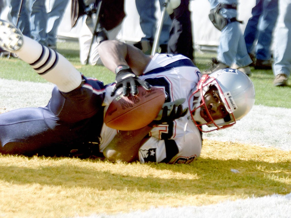 David Patten (New England Patriots) landet mit dem Ball in der Endzone