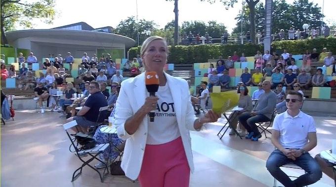 Andrea Kiewel moderiert den ZDF-Fernsehgarten am 5.9.2021 +++ Screenshot zur Berichterstattung erstellt