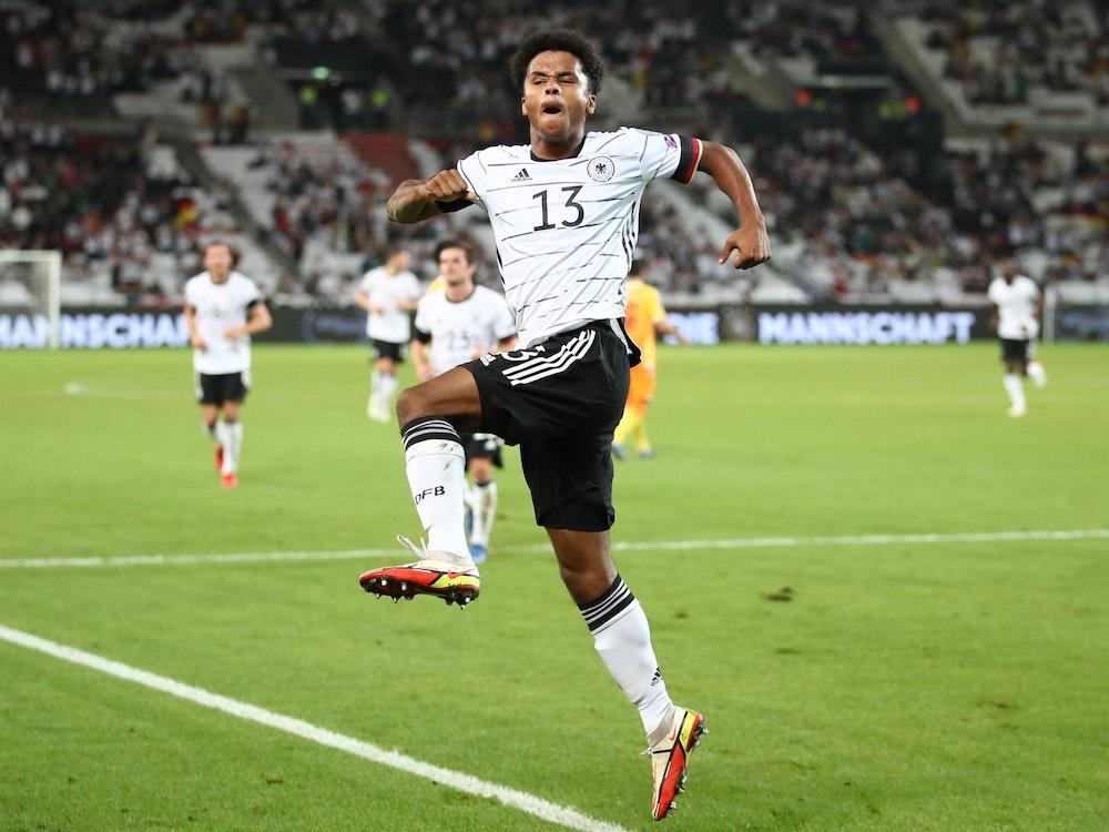 Deutschlands Karim Adeyemi jubelt nach seinem Treffer zum 6:0.