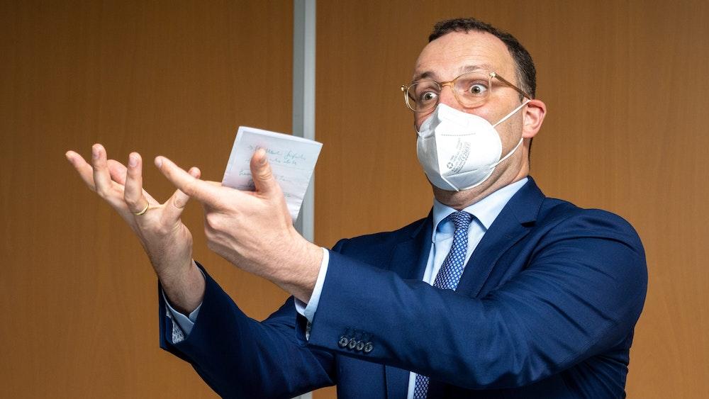 Jens Spahn (CDU), Bundesminister für Gesundheit, ruft die Deutschen zur Impfung gegen das Coronavirus auf.