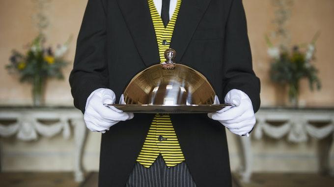 In Nordrhein-Westfalen werden Butler gebraucht – weil es bei LOTTO 6aus49 immer mehr Millionäre gibt.