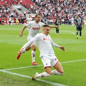 Jubel nach dem Tor zum 2:0: Torschütze Tim Lemperle (1. FC Köln)