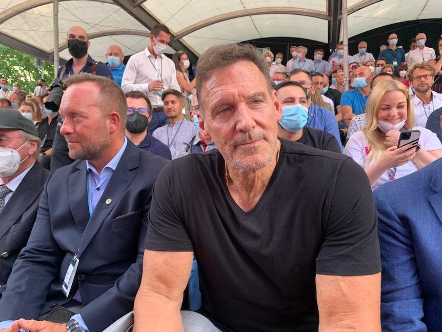 Ralf Möller im Publikum bei der Rede von Arnold Schwarzenegger auf der Messe Digital X in Köln.