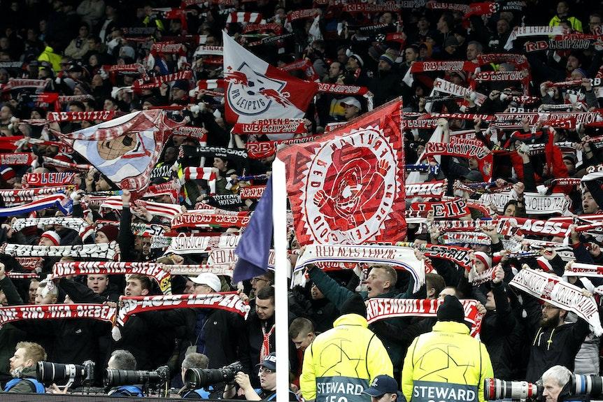 Fans von RB Leipzig dürfen zum Spiel gegen Manchester CIty reisen (Symbolbild).