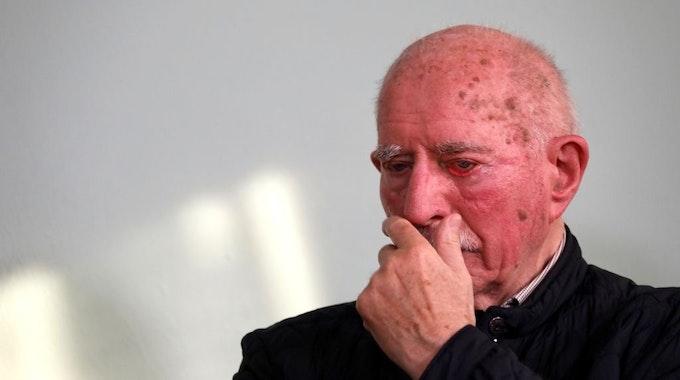 Werner Hansch bricht bei Loss mer Schwade in Tränen aus.