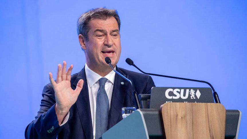 CSU-Chef Markus Söder hat zum Auftakt seiner Parteitagsrede am Freitag (10. September) in Nürnberg vehement vor einem Linksrutsch in Deutschland nach der Bundestagswahl gewarnt.