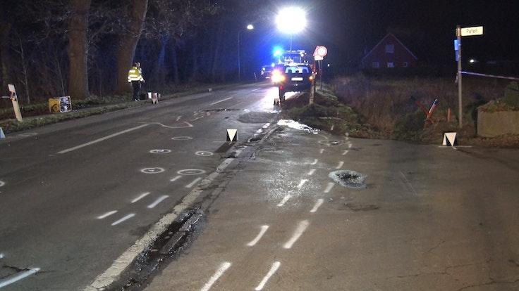Die Unfallstelle in Lähden (Niedersachsen), an der am Februar 2020 ein 59 Jahre alter Fußgänger von einem Auto angefahren und tödlich verletzt wurde.