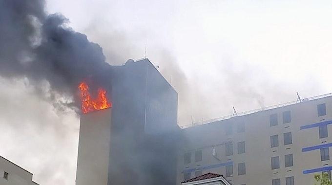 Feuer im St. John's Episcopal Hospital im Stadtteil Far Rockaway in Queens, New York