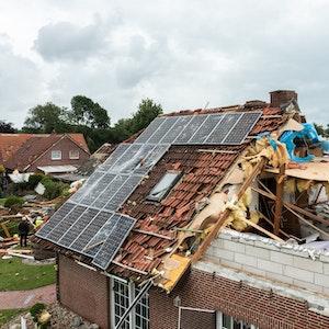Niedersachsen, Berumerfehn: Ein Haus wurde von einem Tornado zerstört.