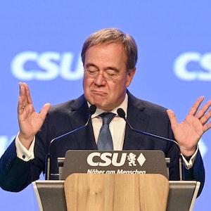 Armin Laschet, Unions-Kanzlerkandidat und CDU-Vorsitzender, spricht beim Parteitag der CSU am 12. September.
