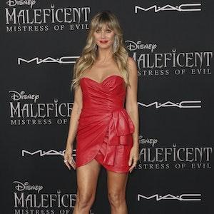 """Heidi Klum kommt zur Weltpremiere von """"Maleficent: Mistress of Evil"""" im El Capitan Theatre."""