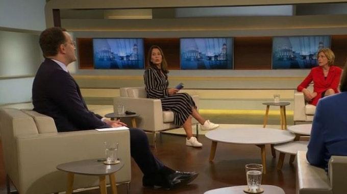 Jens Spahn und Malu Dreyer (rechts), Ministerpräsidentin von Rheinland-Pfalz, lieferten sich einen Schlagabtausch bei Gastgeberin Anne Will.