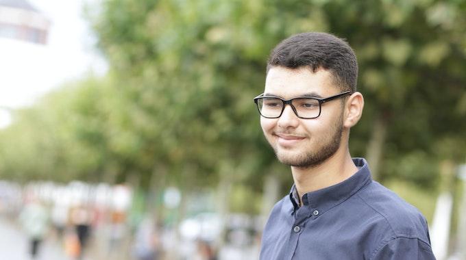 Anas Al-Quar´an (hier am 10. September 2021 in Düsseldorf) ist mit 18 Jahren der jüngste Kandidat der Grünen in Düsseldorf