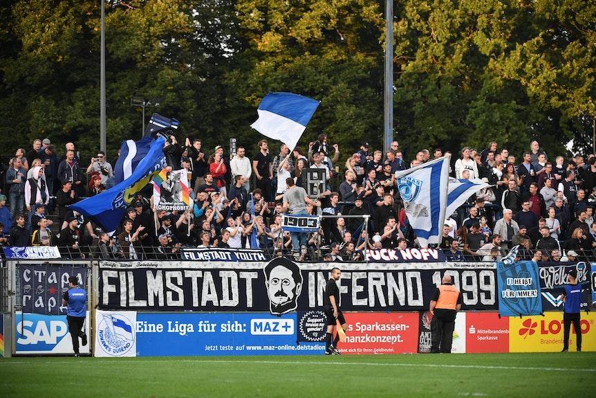 Der SV Babelsberg könnte zum Pokalspiel gegen RB Leipzig eine 2G-Regelung für Erwachsene einführen.