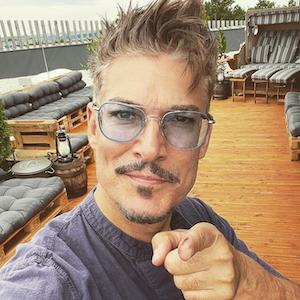 Auf Instagram zeigt er stolz seine erschlankte Figur: Chris Töpperwien, hier auf einem Selfie im Juli, hat stark abgenommen.
