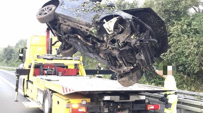 In diesem Audi Q7 wurden zwei Männer bei einem Unfall am 12. September auf der A31 schwer verletzt.