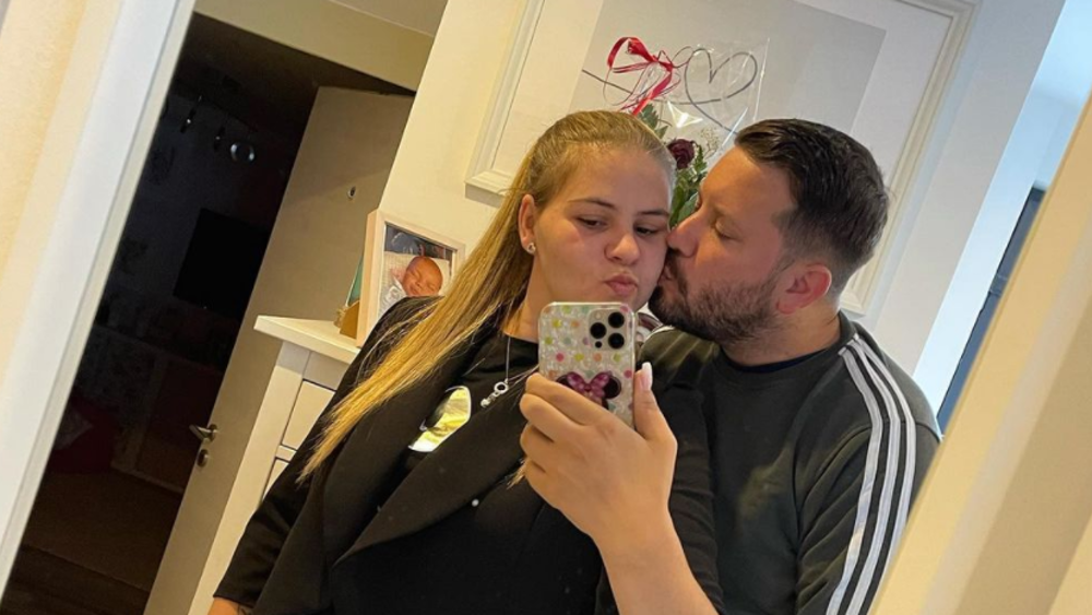 Sylvana Woolney e il suo fidanzato Florian Coster insieme in una foto del 14 settembre.