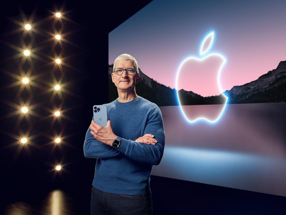 Apple-Chef Tim Cook präsentiert am Dienstag, 14. September 2021, in einer aufgezeichneten Online-Übertragung das neue iPhone 13 Pro.