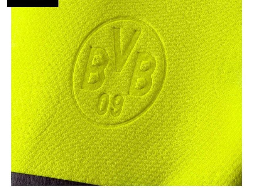 Auf dem neuen Champions-League-Trikot der Dortmunder ist das Wappen nur sehr schwer zu erkennen.