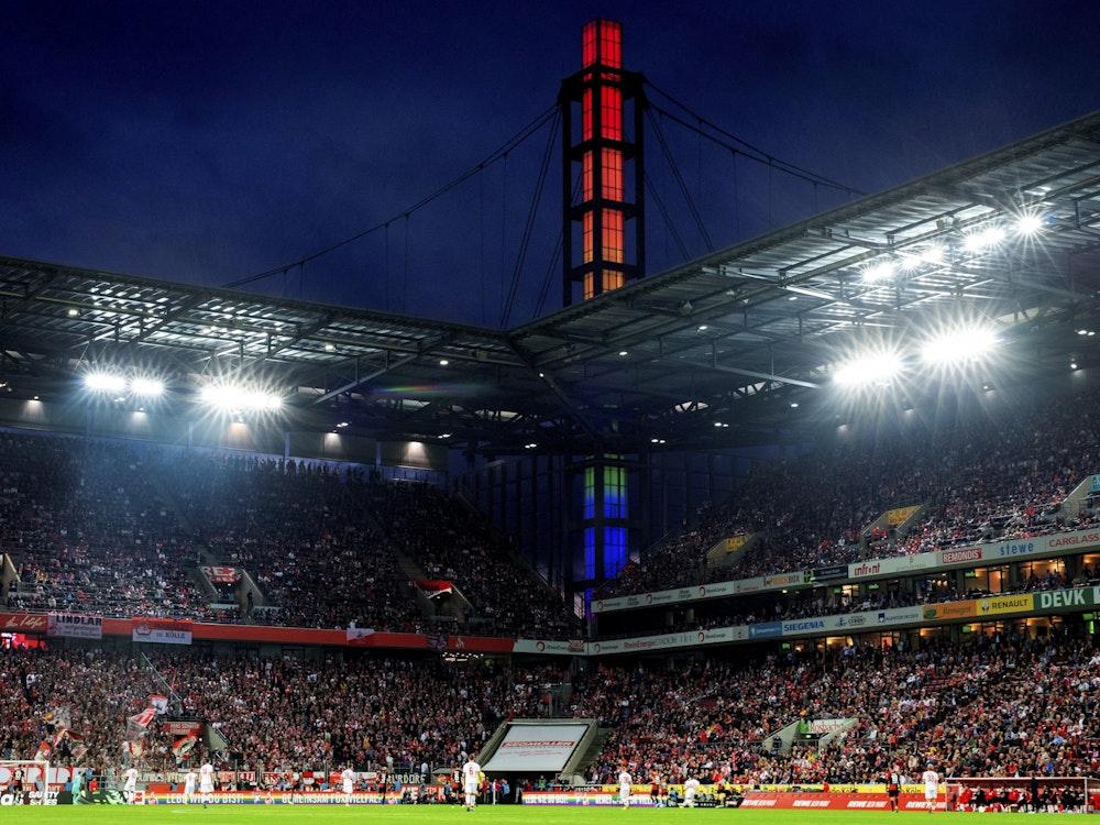 Der 1. FC Köln spielt im Rhein-Energie-Stadion gegen RB Leipzig.