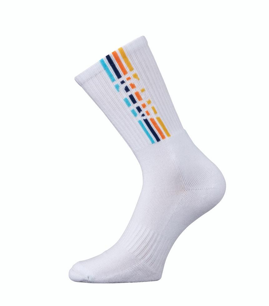 Das Foto zeigt eine weiße Socke mit Aldi-Schriftzug.