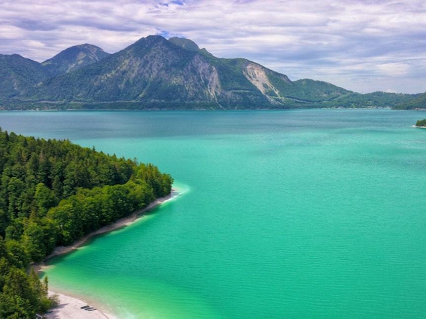 Blick auf den Walchensee in Bayern.