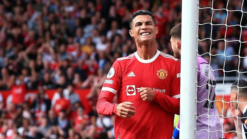 Ronaldo si acciglia.