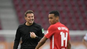 Dr. Felix Brych kennt die Profis von RB Leipzig bestens.