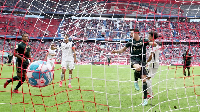 Robert Lewandowski erzielt sein Tor gegen den VfL Bochum