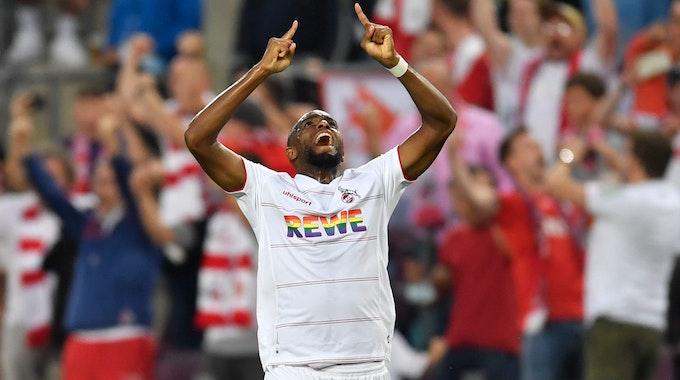 Anthony Modeste jubelt für den 1. FC Köln gegen RB Leipzig.