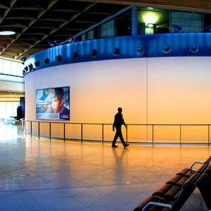 Außenansicht der Lufthansa-Lounge am Flughafen Köln/Bonn