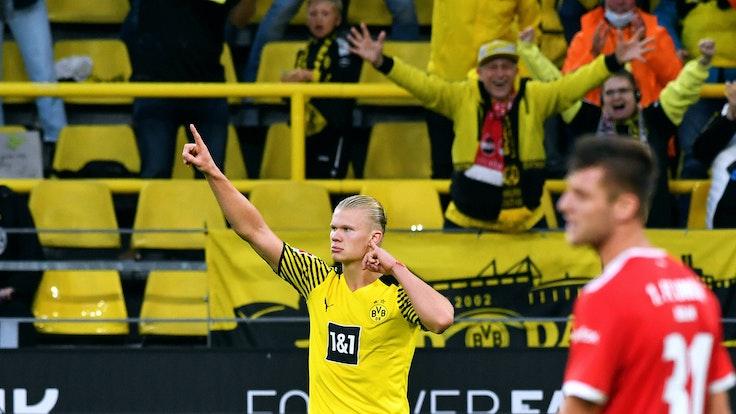 Erling Haaland bejubelt seinen Treffer zum 4:2 gegen Union Berlin.