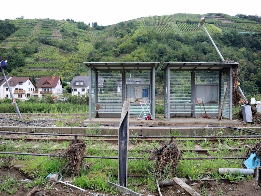 Bahnhof in Dernau acht Wochen nach dem Drama (17.9.)