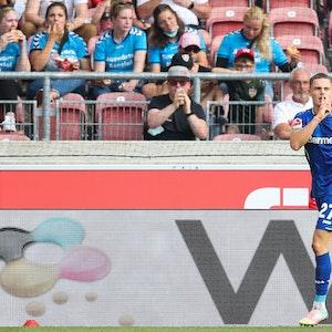 Leverkusens Florian Wirtz jubelt über sein 3:1 beim VfB Stuttgart.