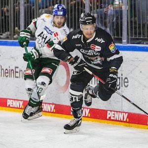 Moritz Müller von den Kölner Haien im Spiel gegen die Augsburger Panther.