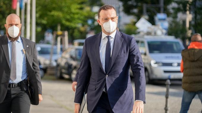 Jens Spahn (CDU), Bundesminister für Gesundheit, kommt am Morgen des 13. September zu den Gremiensitzungen seiner Partei in das Konrad-Adenauer-Haus.
