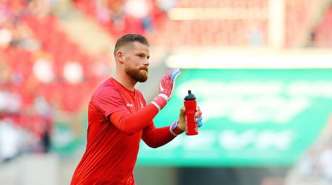 FC-Torwart Timo Horn vor dem Spiel gegen RB Leipzig.