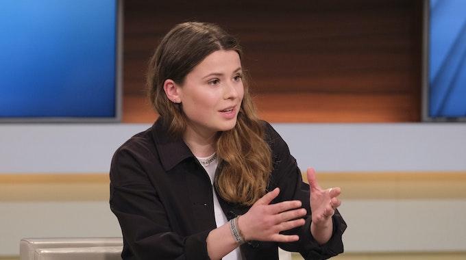 Klimaaktivistin Luisa Neubauer, hier am 9. Mai in der Sendung Anne Will, setzte sich bei Markus Lanz für radikalere Klimamaßnahmen ein.